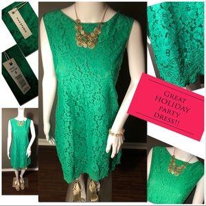 Elegant green lace sleeveless dress